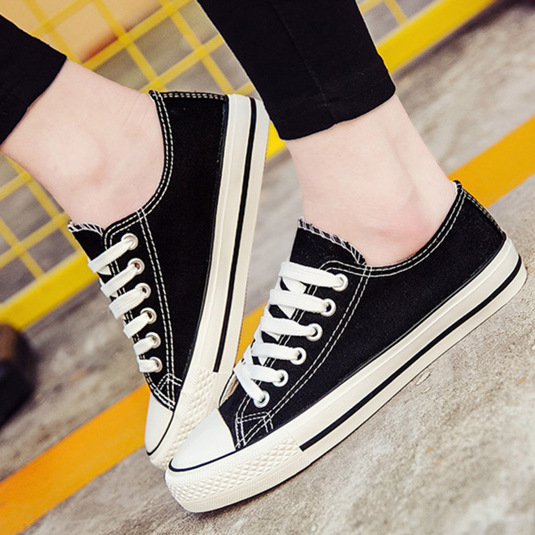 Free shipping summer autumn high quality low canvas shoes women breathable flat-bottomed single classic women's casual shoes fashion casual low top shoes heavy bottomed muffin shoes celebrity same paragraph with gold silver trainer shoes free shipping
