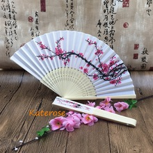 (100pcs/Lot)FREE SHIPPING+Personalized Wedding Date&Names Plum Flower Chinese Silk Hand-made Bamboo Fan Customized Logo Fans