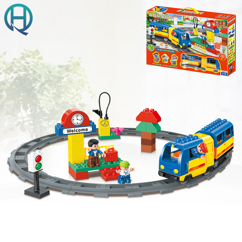 HuiMei City Rail Passenger Car DIY Model Big Building Blocks Bricks Baby Early Educational Learning Gift Toys for Kids Children huimei basic edition diy model big building blocks bricks baby early educational learning birthday gift toys for children kids