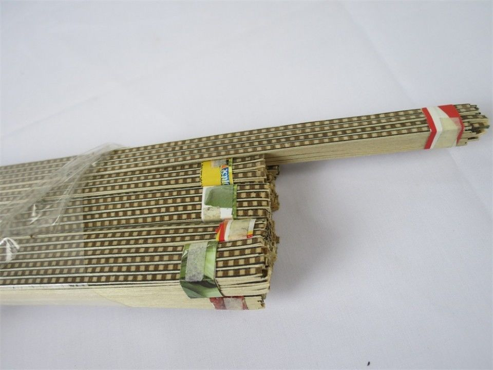100STRIP LUTHIER FIGURED BINDING XL-74,Measures 2mm x1.5mm thick and 810mm long