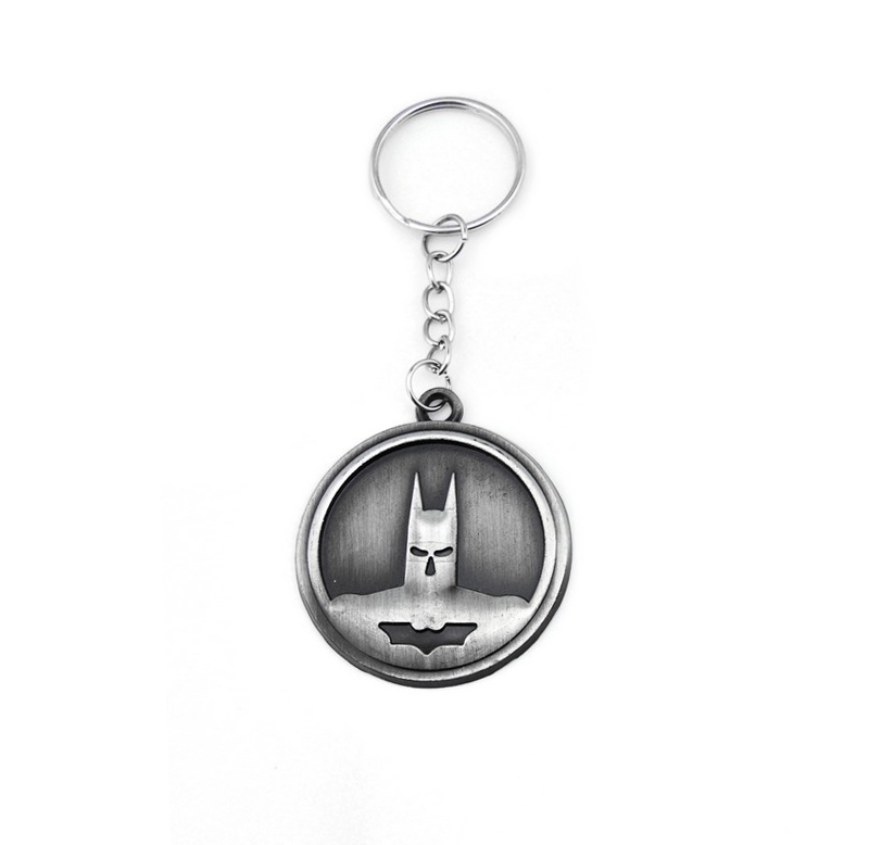 Pop Creative Custom Batman Keychain Men Super Hero Anime Key Chain Metal Car Game Key Ring Banner Holder Round Gift Souveni