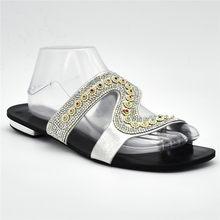 8a4a4bb8ad71fe Dernières Designer Chaussures Femmes De Luxe 2018 Chaussures De Mariage  Africain Décoré avec Strass Italien Femmes