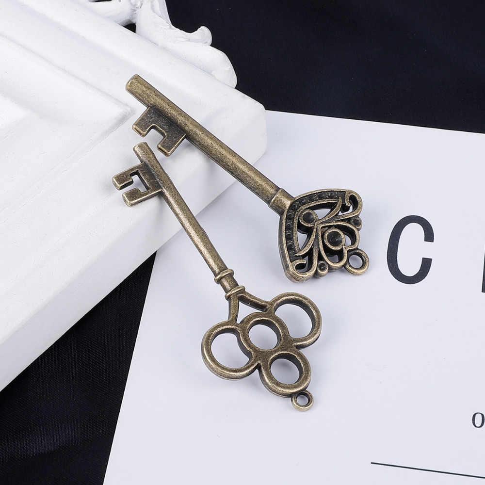 13 estilo Antigo Olhar Teclas de Bronze Do Vintage DIY Encantos Pingente de Metal Decorações Presente Adequado Para Festas De Casamento Social Tokes