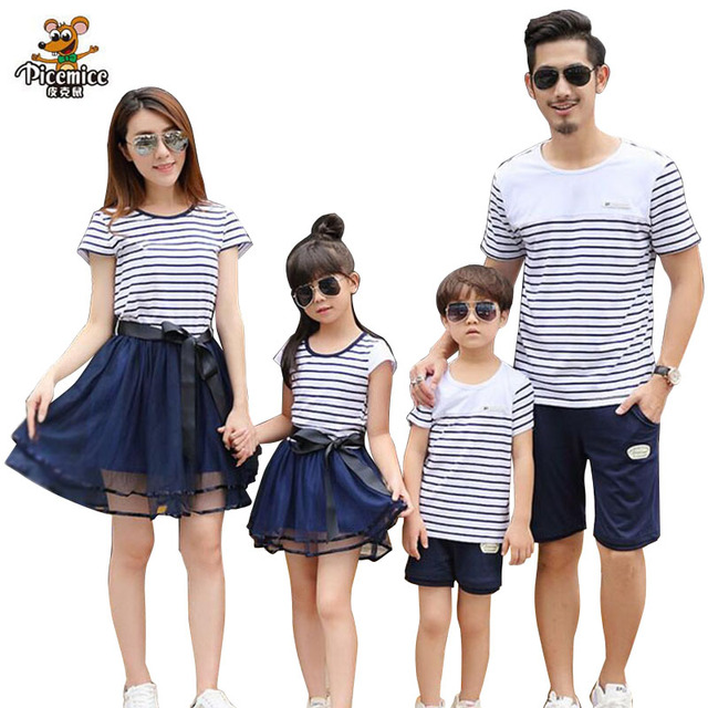 5cc772c371fd Matching Family Clothing 2019 summer Fashion Striped T-shirt shorts Mother  Daughter dresses Father Son Family Matching Outfits