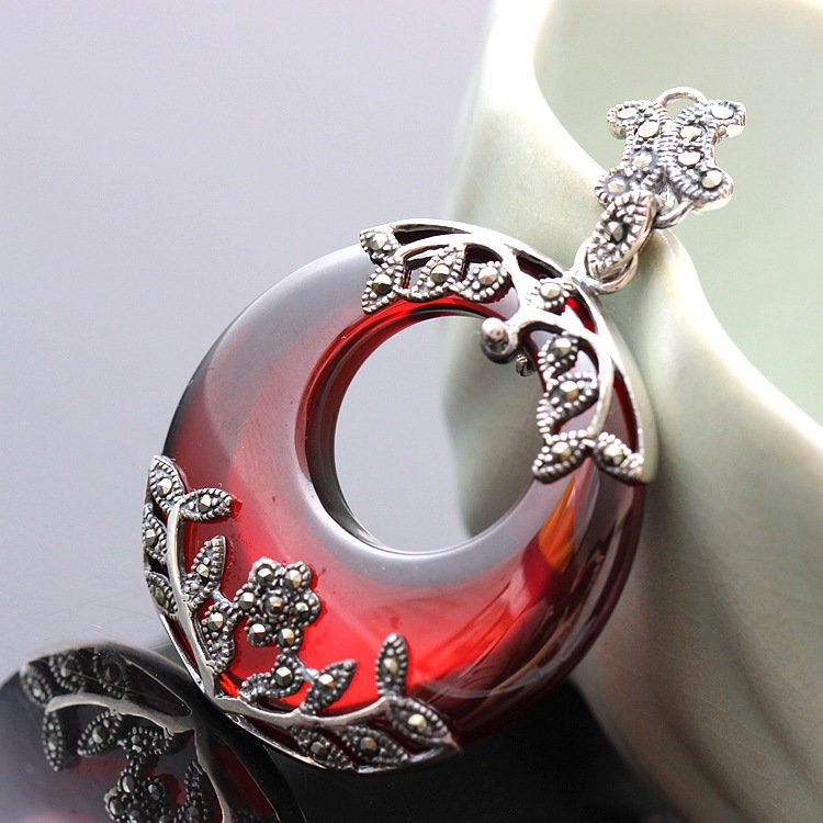 silver jewelry wholesale 925 sterling silver inlaid garnet red retro Ring Silver Pendant pendant lady zirconium