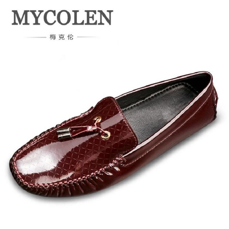 MYCOLEN New Black Patent Leather Men Handmade Loafers Black Fashion Banquet And Prom Men Loafers Shoes Zapatos Hombre Casual piergitar 2016 new india handmade luxurious embroidery men velvet shoes men dress shoes banquet and prom male plus size loafers