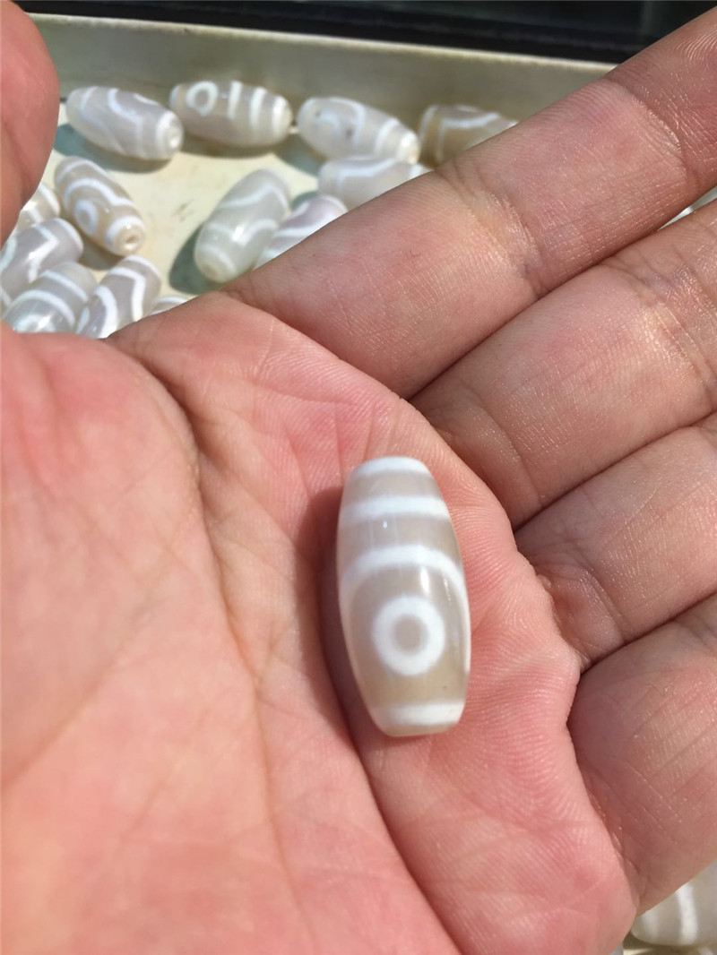 1 PCS/1 LOT White Color 2 eyes 11mm*24mm Natural Agate Amulet Tibetan Dzi Beads for Bracelet DIY Jewelry Making