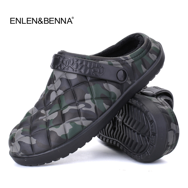 60a9a9260ee4 New Winter Men Sandals 2017 New Croc Men Beach Shoes Camouflage Slippers  plush Warm Flip Flop Plush Garden Sandals Clogs Outside