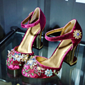 Nueva rebordear flor de cristal gladiador grueso super-límite de terciopelo dedo del pie talón extraño estilo de mujer de marca de alta calidad zapatos