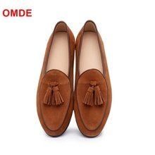 цена OMDE New Handmade Suede Men's Loafers Popular Slip On Tassel Men Shoes Casual Leather Flats Size38-47 Men's Smoking Shoes онлайн в 2017 году