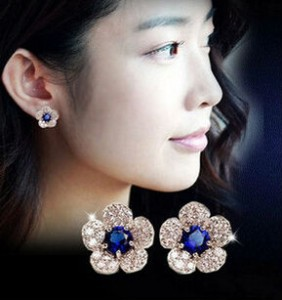 Allergy-end fashion personality silver blue crystal flower earrings imitation diamonds exquisite women free shipping