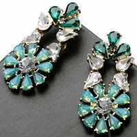 Wing Yuk Tak Rushed Women Classic Zinc Alloy Plant Oorbellen Orecchini New Flower Fresh Crystal Drop Earrings Jewelry Wholesale