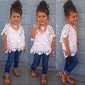2017 Весна Девушки Цветы Комплект Одежды майка + кружева рубашки + отверстие джинсы 3 шт. дети девушка одежда костюмы джинсовые детская одежда