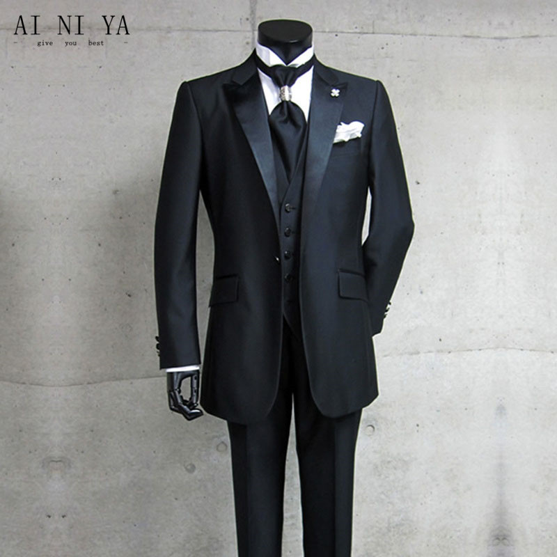 New mens designer suits Men's suits Custom Design Groom Tuxedos Peak Lapel Groomsman Best Man Suits