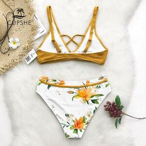 Image 2 - CUPSHE Màu Vàng Hoa In Bikini Đặt Phụ Nữ Thập Tam Giác Hai Mảnh Đồ Bơi 2019 Cô Gái Sexy Tắm Phù Hợp Với Đồ Bơi