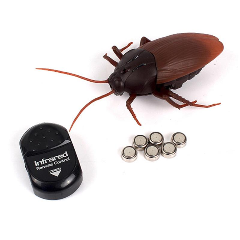 2018 Funny Simulation Infrared RC Remote Control Scary Creepy Insect Cockroach Toys Halloween Gift For Children Boy Adult bags
