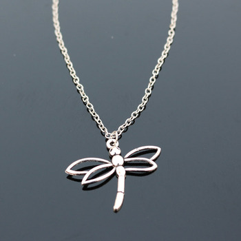 Dragonfly Shape Collares Necklace 1