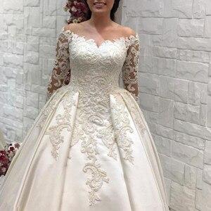 Image 3 - Saudi Arabisch Spitze Ballkleid satin Hochzeit Kleider Langen Ärmeln Scoop neck Brautkleider Kathedrale Zug Plus Größe Hochzeit kleid