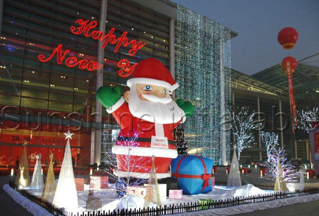 attractive large outdoor christmas decoration commercial inflatable santa claus with blower