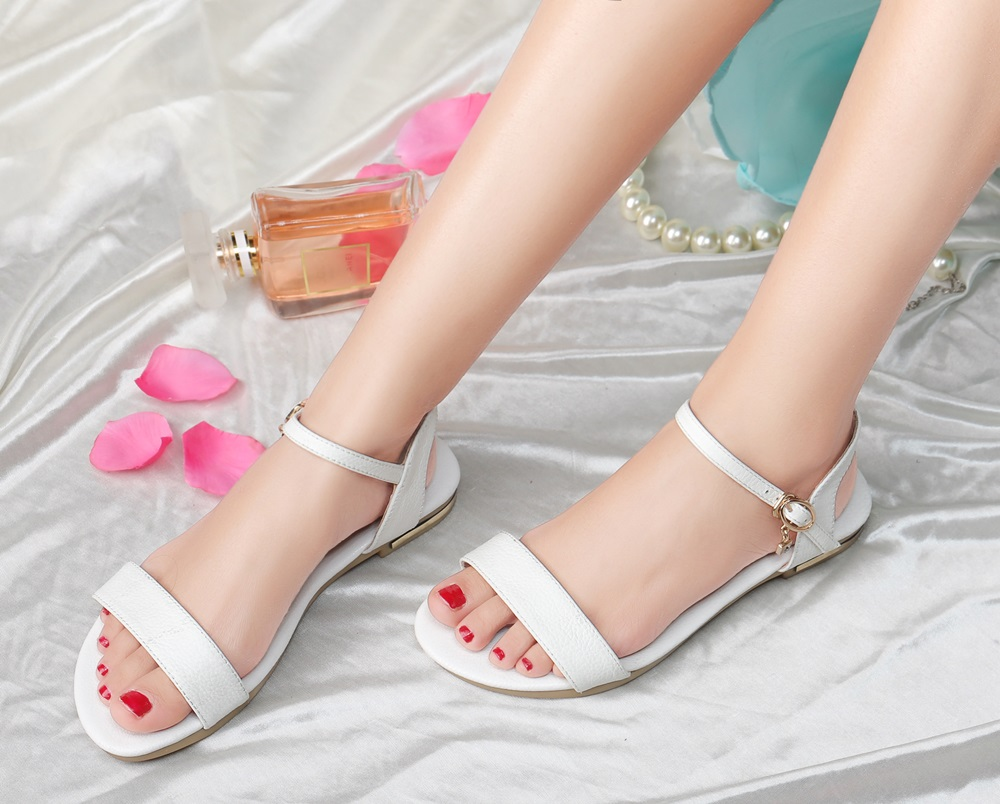 HTB11dgvo9tYBeNjSspaq6yOOFXaL MORAZORA Plus size 34-46 New genuine leather sandals women shoes fashion flat sandals cow leather summer rhinestone ladies shoes