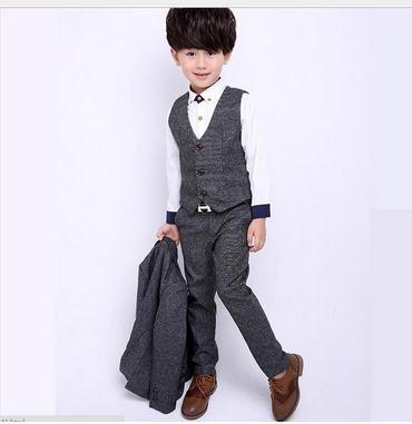 a5d74dd2f28c1 2018 nouveau garçon costumes enfants vêtements costume pour mariage enfants  fête costumes garçon Blazers bleu ou gris livraison gratuite dans Costumes  de ...