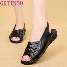 Sandalias planas de piel auténtica para mujer, zapatos informales con cuña abierta, color negro, talla grande, para verano, 2020