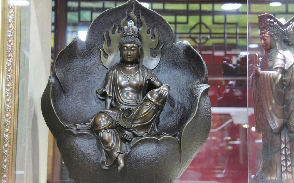 18 Tibet Cuivre Bronze Bodhisattva Kwan-yin Yin lui-même Guanyin Bouddha Assis Lotus feuille
