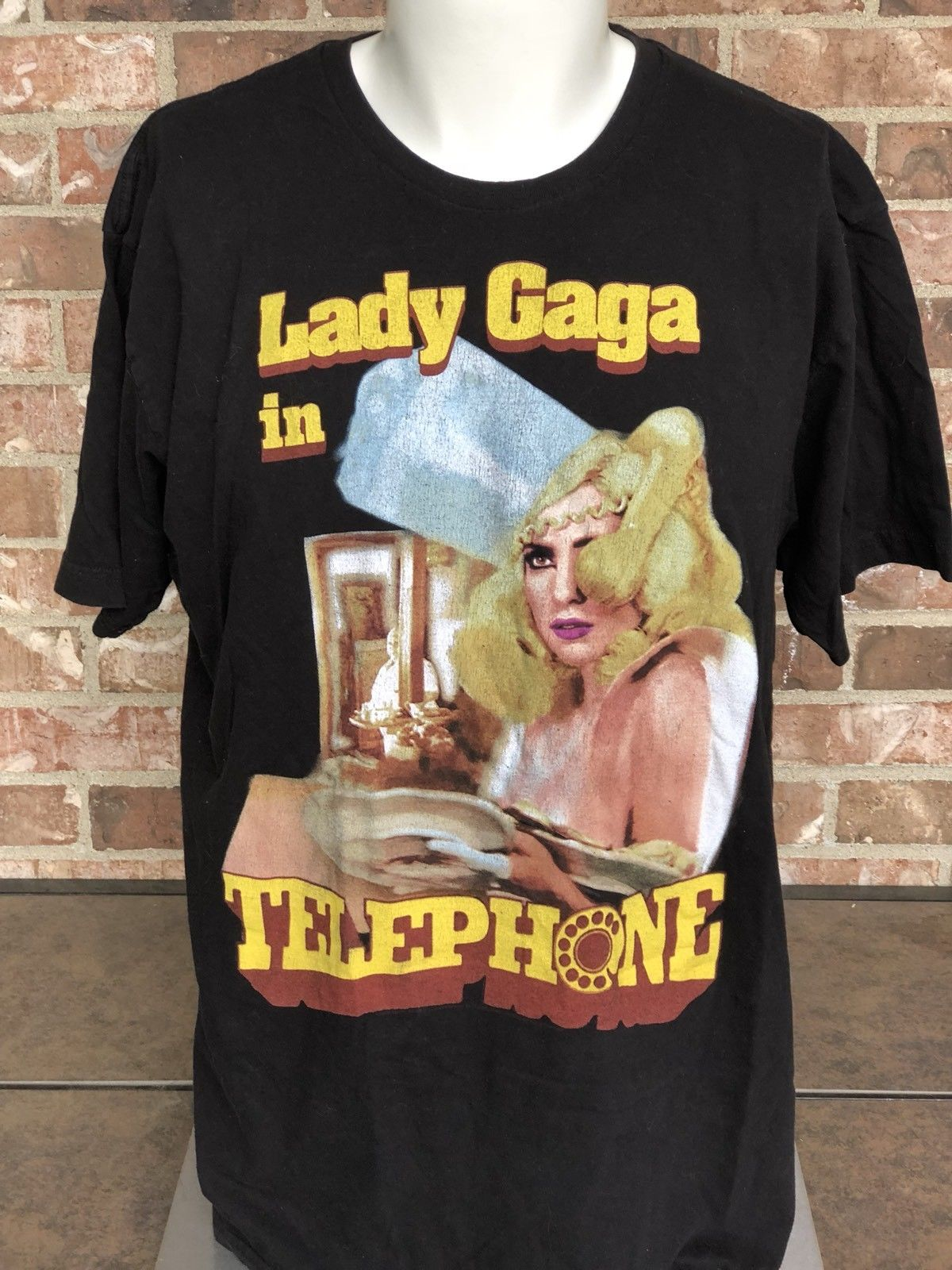 LADY GAGA TELEPHONE THE MONSTER BALL TOUR T-SHIRT 2010 SIZE XL