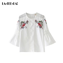 La-Tee-Da!08 2017 New Embroidery Blouses Women Embroidery Shirts Lady Fashion Casual Hollow Out Blouses Female O-Neck Vestidos