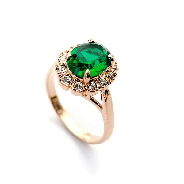Green Ring Elegant Jewelry Made with Austrian Crystal Stellux