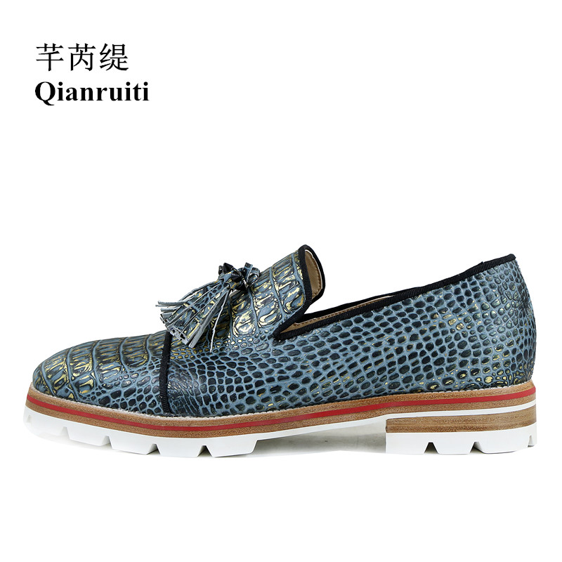Qianruiti Men Alligator Tassel Rivet Flats Slip-on Anti-skid men Oxfords Vintage Style Camping Shoes Men Dress Shoes EU39-EU46 qianruiti men alligator gold loafers metal toe business wedding oxfords high quality lace up slippers men dress shoe eu39 eu46