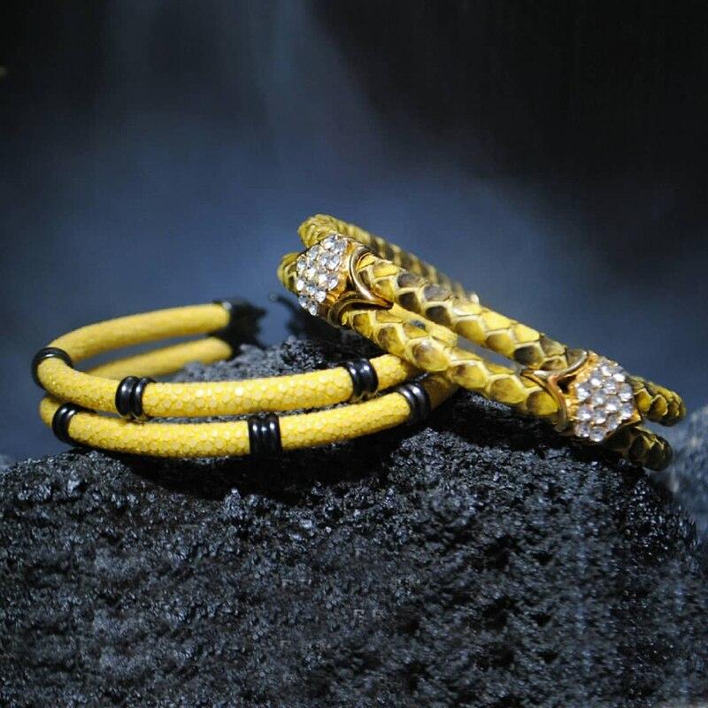 Un ensemble mode deux couches bleu Stingray cuir blanc Zircon Bracelet or acier inoxydable fermoir Bracelet Bracelet pour cadeau de fête