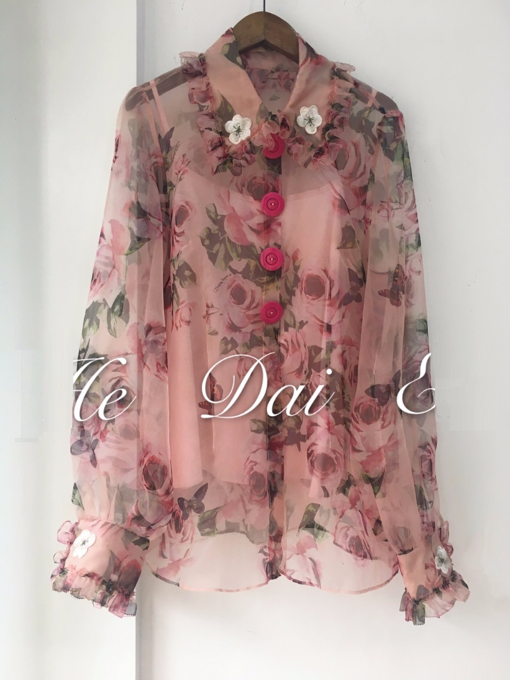 100%Silk   Blouses     Shirt   Spring Summer High Quality Women Appliques Embroidery Turn-down Collar Big Button   Shirt   Sexy   Blouse