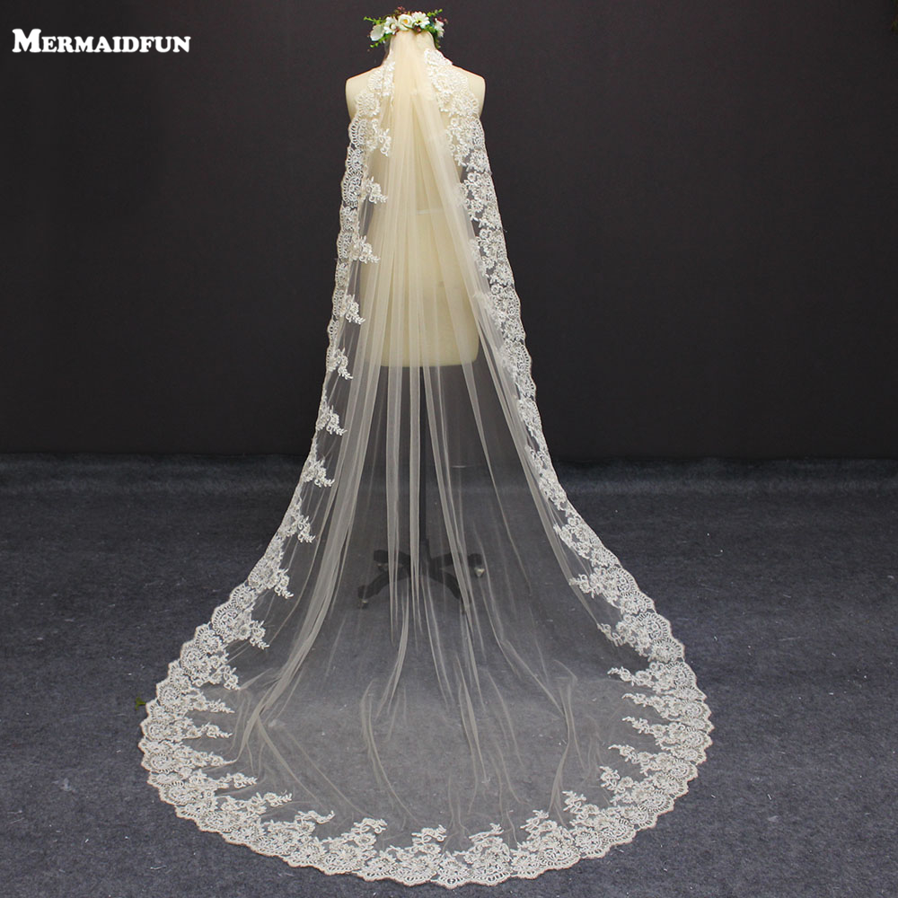 2019 Real Photos New One layer 3 Meters Champagne Lace Edge Wedding Dress WITH Comb Beautiful 3 M Bridal Veil