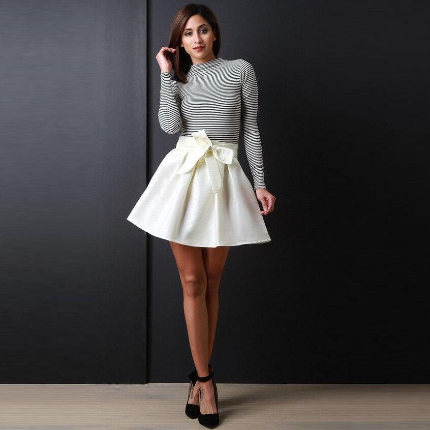 Женщины в коротких белых юбках фото