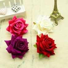 100pcs פרחים מלאכותיים באיכות עבור חג המולד עיצוב הבית חתונה כלה אביזרי diy זר מתנות כובע משי ורדים