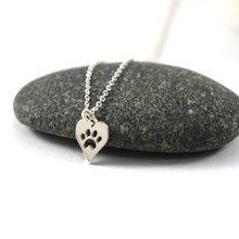 316l stainless steel animal paw charm necklace gold silver tone hollow out lovely cat dog print paw pendant long chain necklace 10PCS- N094 Paw Print Heart Necklace Pet Puppy Dog Paw Necklace Bear Cat Love Paw Necklaces Decoupage Animal Paw Print Necklaces