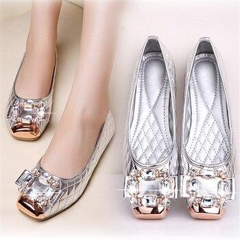2018 Summer Autumn New Fashion Women Wedding Shoes Big Size34-43 Shiny Patent Leather Sexy Lady Flats Luxury Crystal Casual Shoe