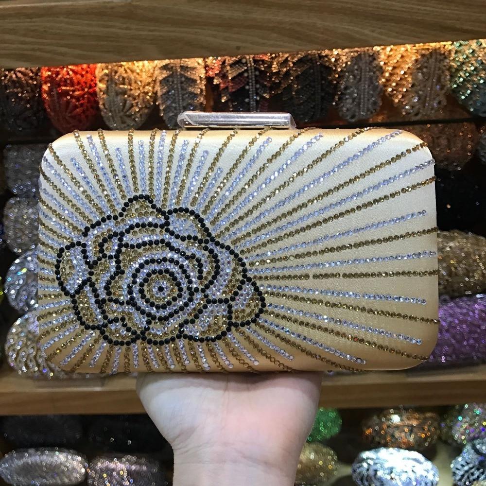 купить XIYUAN BRAND gold/red/hot pink Women Party Metal Crystal Clutches Evening Bags Wedding Bag Bridal Shoulder Handbag Clutch Purse по цене 3877.28 рублей