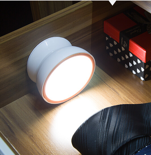 Light Led Battery Aa Puck
