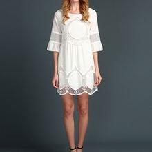 Женское модное большое платье блестящее белое кружевное с вышивкой