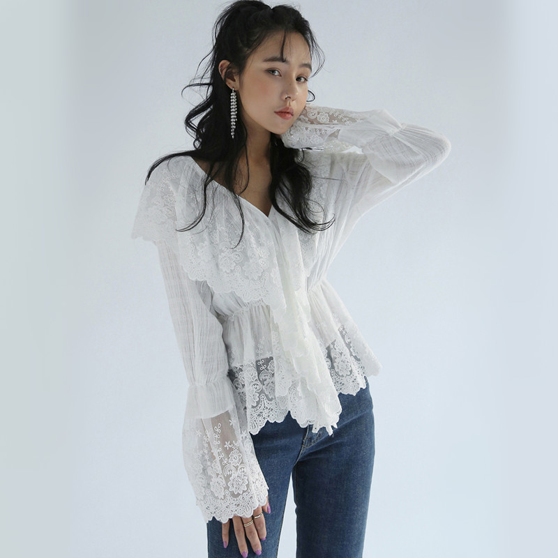 Korean Fashion Lace Tops Ladies Summer Autumn V Neck White Lace   Blouse   Long Sleeve Slim Waisted Women Ruffle   Blouses     Shirts