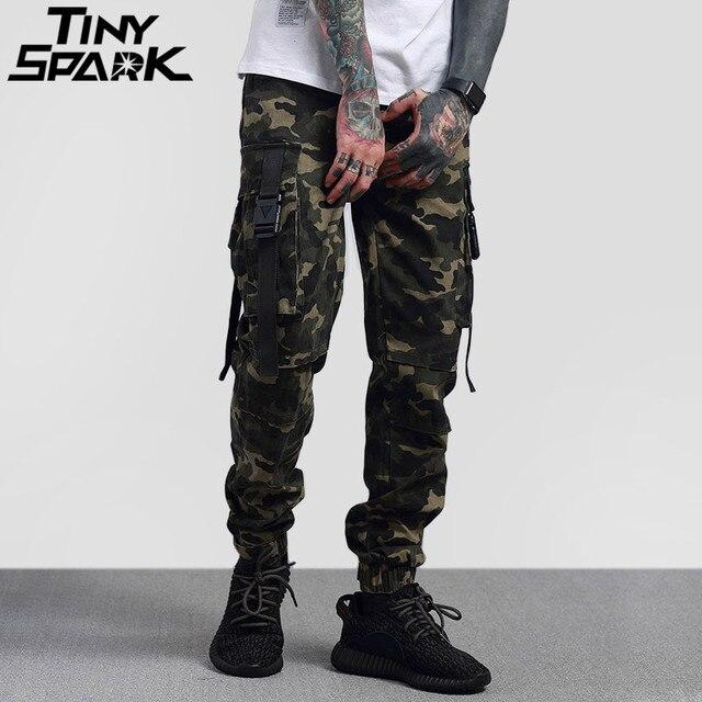 2018 Hip Hop Cargo Pantalon Streetwear Hommes Armée Vert Camouflage Pantalon  Grande Côté Poches Casual Harem 4289fe0269c