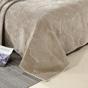 Image 4 - 3 חתיכה קטיפה כותנה שמיכת כיסוי המיטה סט אולטרה רך חם גדול מיטת כיסוי עלים דפוס יוקרה כיסוי המיטה כרית שמס