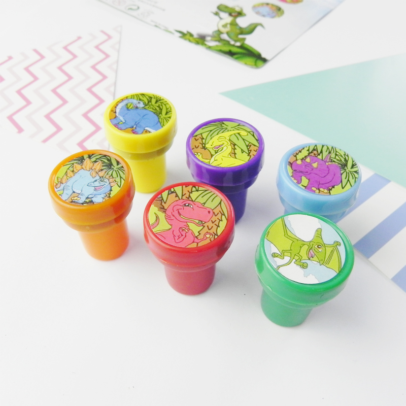 6Ps  Children Animal Dinosaur Pattern Stamps Children Plastic Rubber DIY Toy Set Drawing Tools Holiday Gifts Pre-School Toys