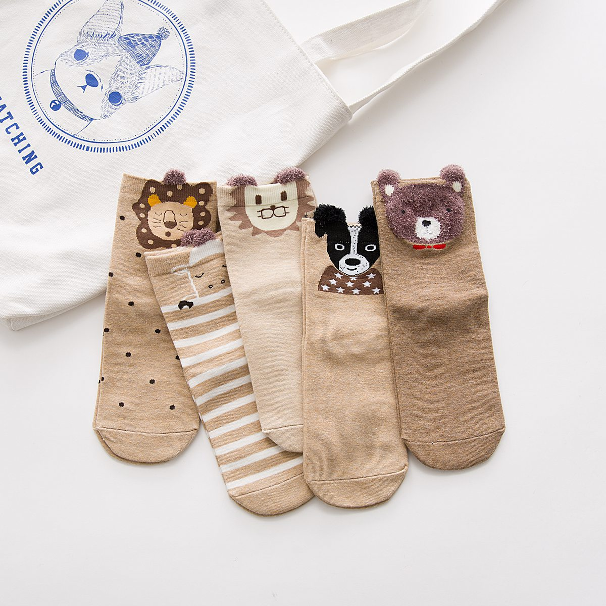 Japanese female socks in the tube new autumn and winter cartoon socks ladies plush brand factory outlets wholesale