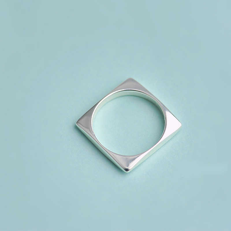 XIYANIKE 925 เงินสเตอร์ลิงสแควร์แหวนบุคลิกภาพเรขาคณิตนิ้วมือแหวนสำหรับงานแต่งงานของขวัญใหม่ VRS2424