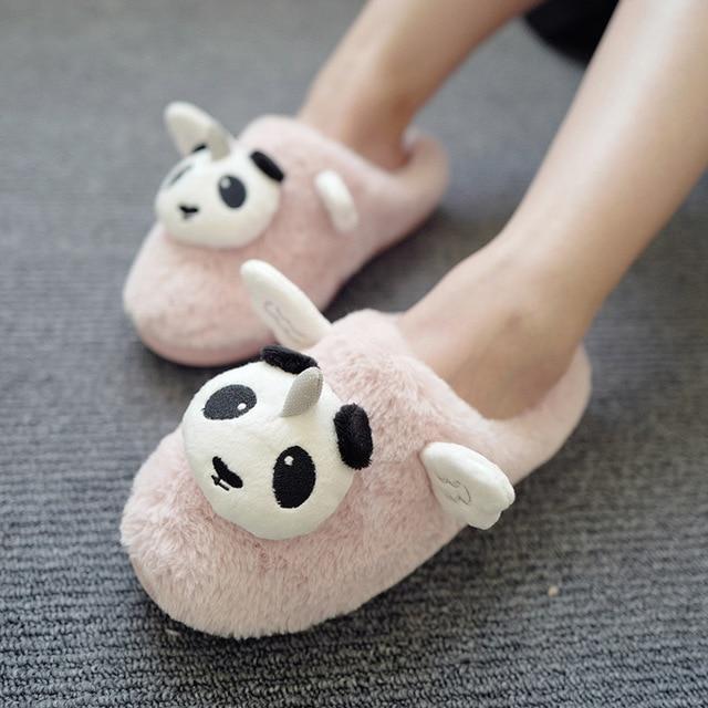 Bella Cartoon Unicorn Panda Scarpe in Casa Pantofole Inverno Donne e  Bambini Peluche Caldo scarpe Antiscivolo 4aa7aecc7ba