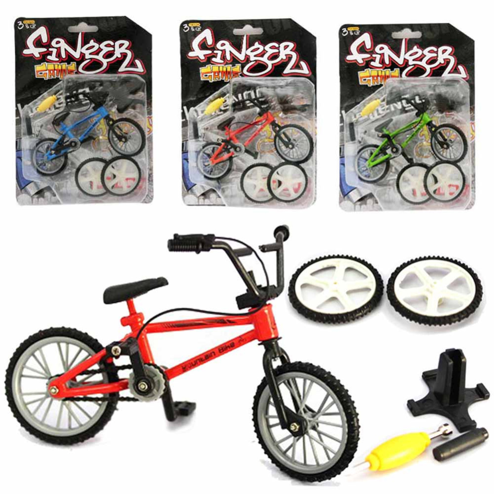 Mini Finger Bicycle Flick with Riders Random Color Finger