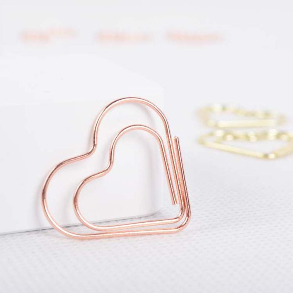 1Pcs Cute Heart Shaped Paper Clip Bookmark Photo Folder Creative Office Learning Mark Paper Clip